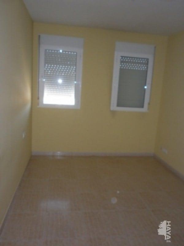 Piso en venta en Piso en Villena, Alicante, 118.000 €, 2 habitaciones, 1 baño, 157 m2