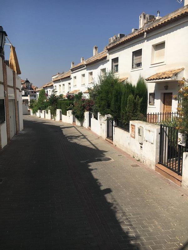 Casa en venta en Granada, Granada, Calle Alijarafe, 226.000 €, 3 habitaciones, 3 baños, 177 m2