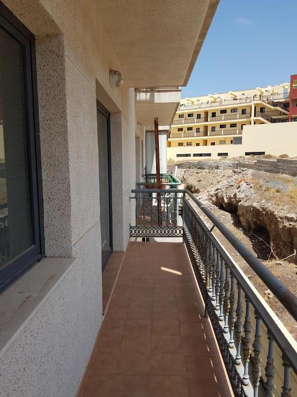 Piso en venta en Adeje, Santa Cruz de Tenerife, Calle Doctor de la Casas Perez, 97.000 €, 1 habitación, 1 baño, 51 m2