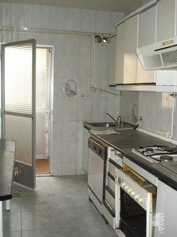 Piso en venta en Madrid, Madrid, Calle Jose Maria Pereda, 123.151 €, 2 habitaciones, 1 baño, 78 m2