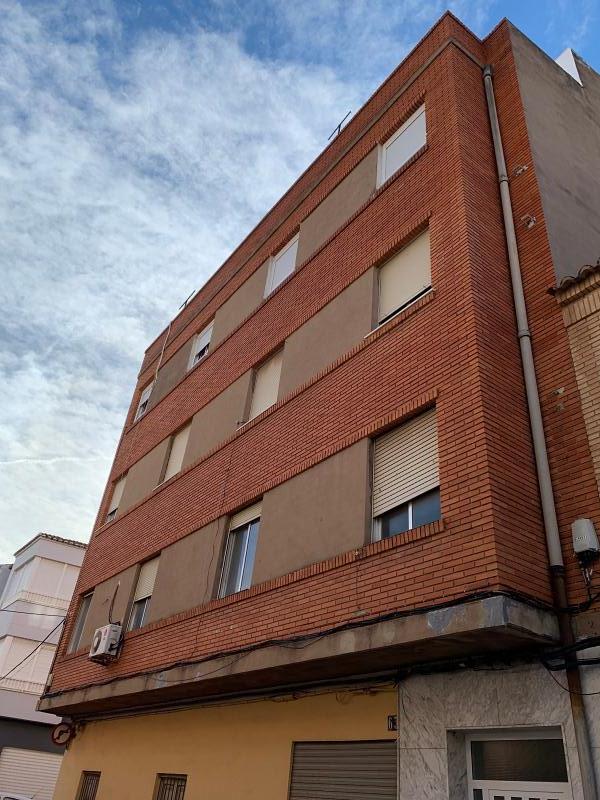 Piso en venta en El Port de Sagunt, Sagunto/sagunt, Valencia, Calle Sant Pere, 55.000 €, 4 habitaciones, 1 baño, 106 m2