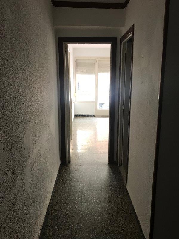 Piso en venta en El Carme, Reus, Tarragona, Calle Escultor Rocamora, 56.000 €, 3 habitaciones, 1 baño, 69 m2
