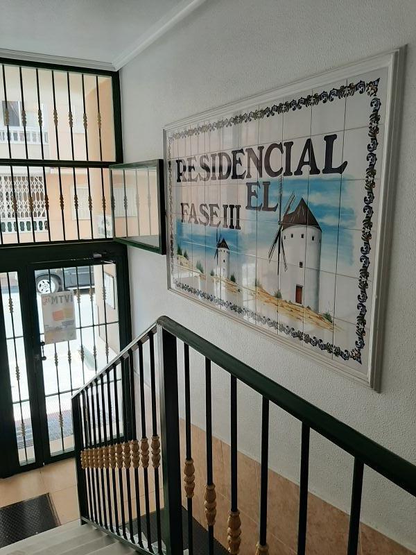 Piso en venta en Urbanización Calas Blancas, Torrevieja, Alicante, Calle Torresal, 73.000 €, 2 habitaciones, 1 baño, 66 m2