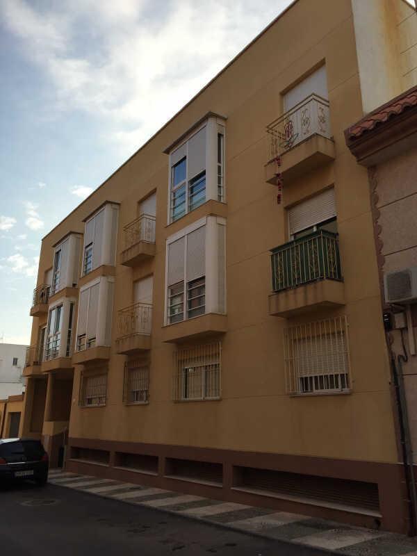 Piso en venta en Sant Llorenç, Terrassa, Barcelona, Calle Cami de la Senyora, 70.000 €, 2 baños, 68 m2