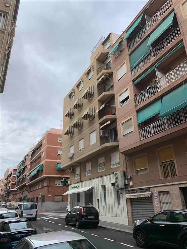 Piso en venta en Corts Valencianes, Elche/elx, Alicante, Calle Juan Diez Martinez, 76.500 €, 3 habitaciones, 1 baño, 104 m2
