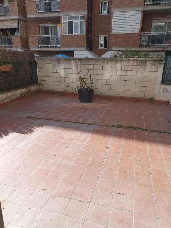 Piso en venta en Montornès del Vallès, Barcelona, Pasaje Dels Castanyers, 113.000 €, 2 habitaciones, 1 baño, 82 m2