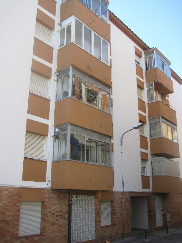 Piso en venta en Banyoles, Banyoles, Girona, Pasaje Doctor Fleming, 65.000 €, 3 habitaciones, 1 baño, 90 m2