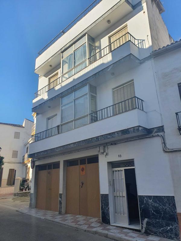 Piso en venta en Luque, Córdoba, Calle Alamos, 39.000 €, 3 habitaciones, 1 baño, 106 m2