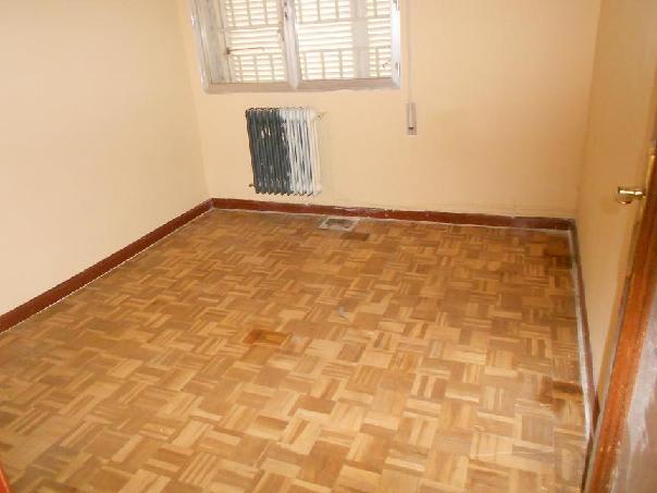 Piso en venta en Latina, Madrid, Madrid, Calle Marcelino Castillo, 92.949 €, 3 habitaciones, 1 baño, 80 m2