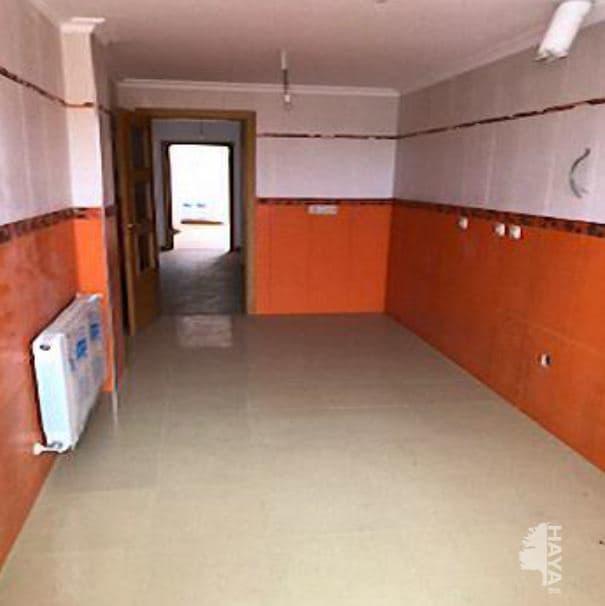 Piso en venta en Quintanar del Rey, Cuenca, Calle Olmo, 62.000 €, 3 habitaciones, 2 baños, 86 m2