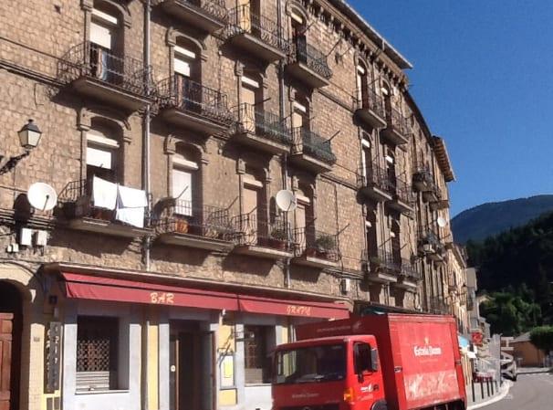 Piso en venta en Mas de Pei, Guardiola de Berguedà, Barcelona, Calle Comercio, 47.000 €, 3 habitaciones, 1 baño, 76 m2