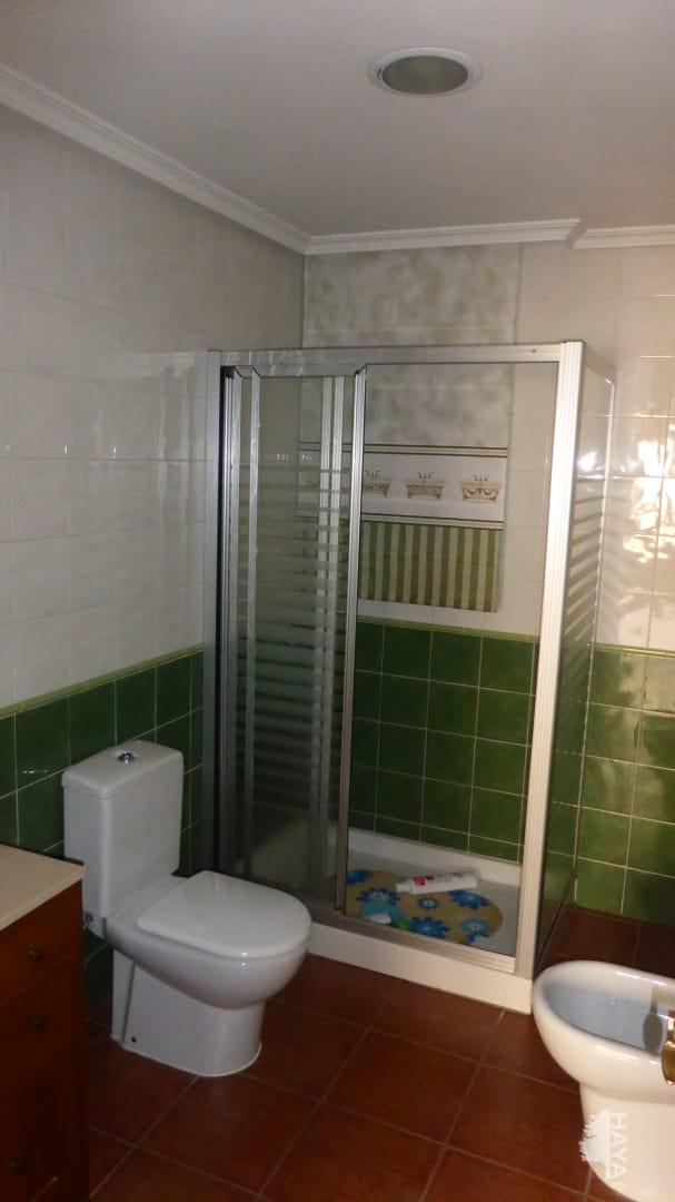 Piso en venta en Piso en Argamasilla de Calatrava, Ciudad Real, 350 €, 3 habitaciones, 3 baños, 121 m2