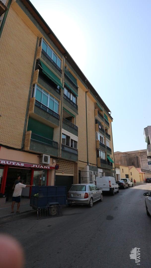 Piso en venta en Miajadas, Cáceres, Calle Colon, 63.200 €, 3 habitaciones, 1 baño, 96 m2