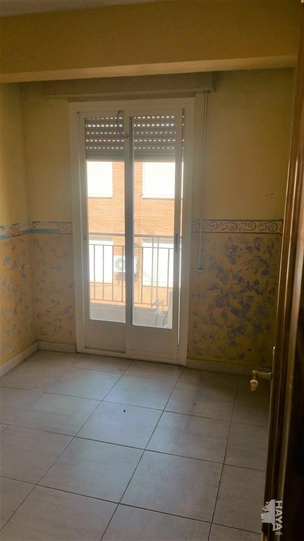 Piso en venta en Barrio de Santa Maria, Talavera de la Reina, Toledo, Calle Pielago, 34.200 €, 2 habitaciones, 1 baño, 61 m2