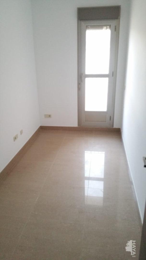 Piso en venta en Villar del Arzobispo, Villar del Arzobispo, Valencia, Calle Ronda Baronia de La, 59.400 €, 3 habitaciones, 1 baño, 118 m2