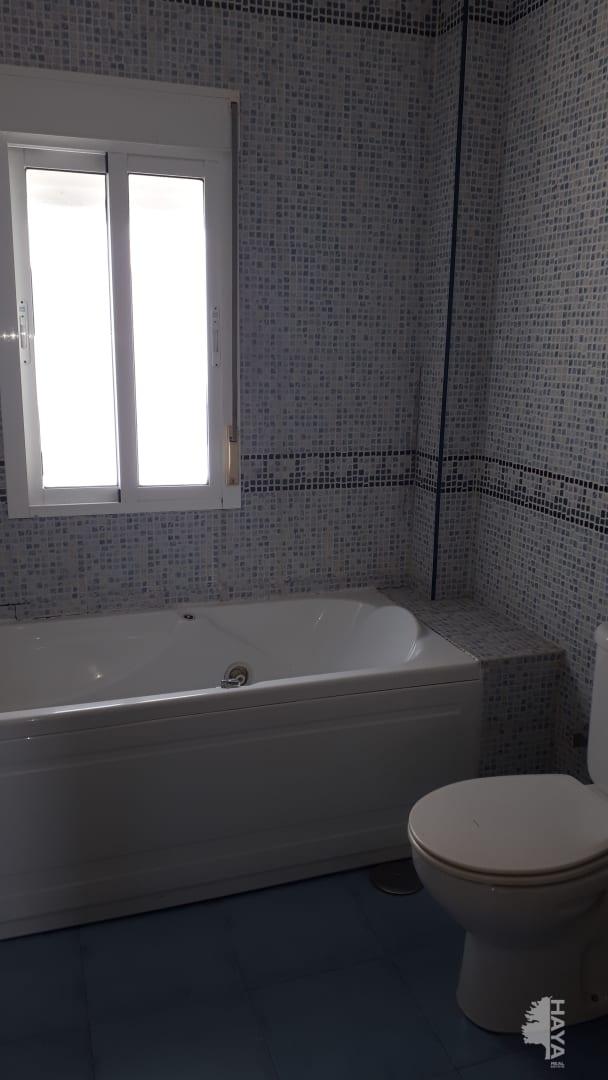 Piso en venta en Isla Cristina, Huelva, Calle Emiliano Cabot, 132.300 €, 3 habitaciones, 1 baño, 74 m2