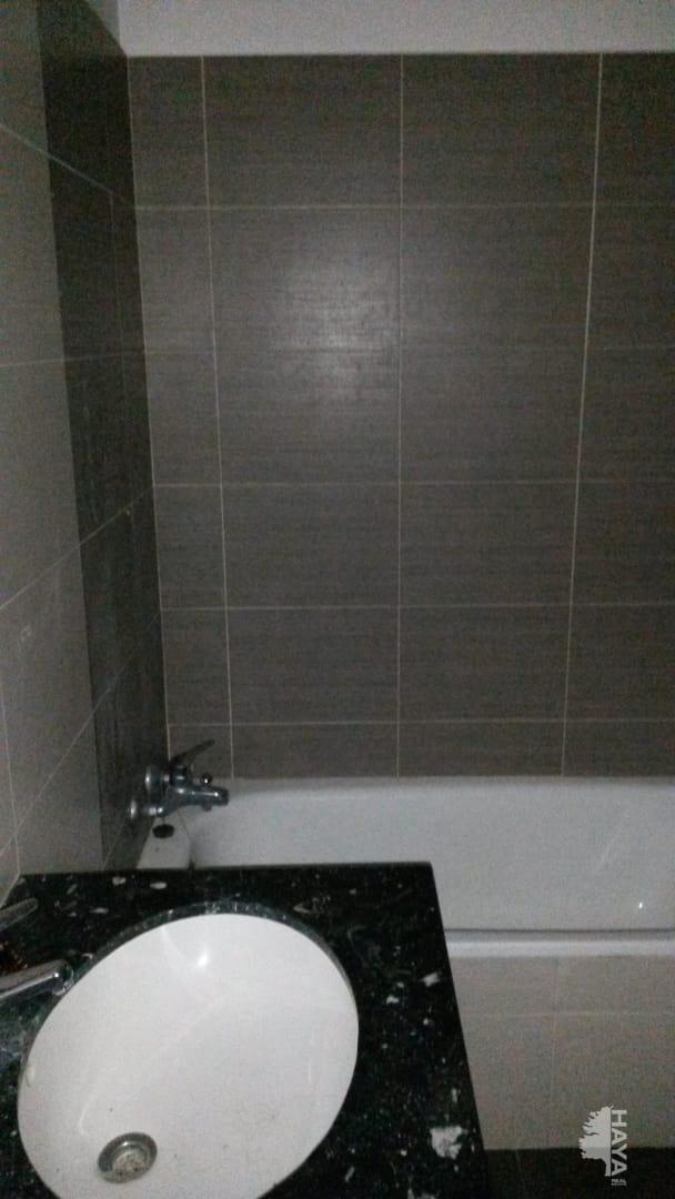 Piso en venta en Piso en Sant Martí de Centelles, Barcelona, 128.000 €, 3 habitaciones, 2 baños, 105 m2