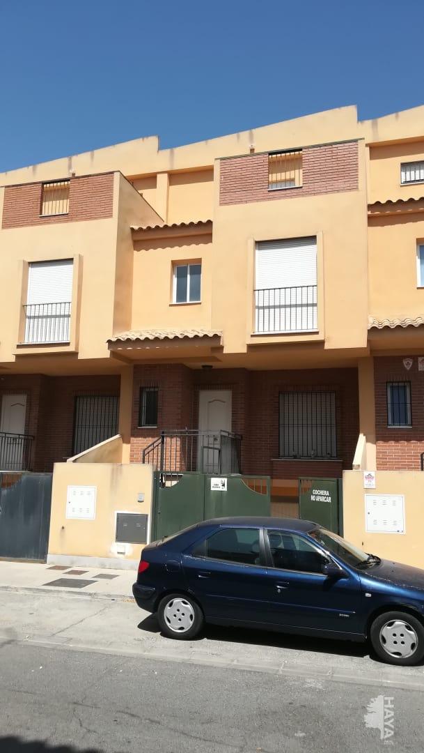 Piso en venta en Santa Fe, Granada, Calle San Bartolome de la Casas, 156.699 €, 3 habitaciones, 2 baños, 197 m2