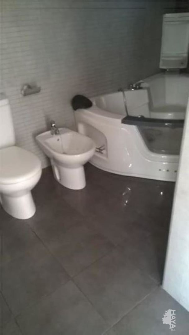 Piso en venta en Manresa, Barcelona, Calle Santa Maria, 80.600 €, 2 habitaciones, 2 baños, 59 m2