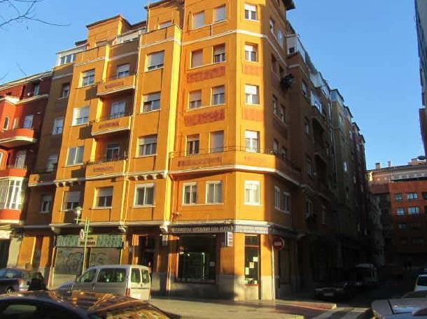 Piso en venta en Burgos, Burgos, Calle San Pedro Y San Felices, 84.000 €, 3 habitaciones, 2 baños, 76 m2
