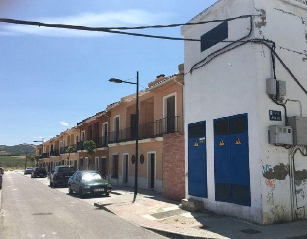 Piso en venta en Puente Genil, Córdoba, Calle Felipe Ii, 100.000 €, 3 habitaciones, 1 baño, 125 m2