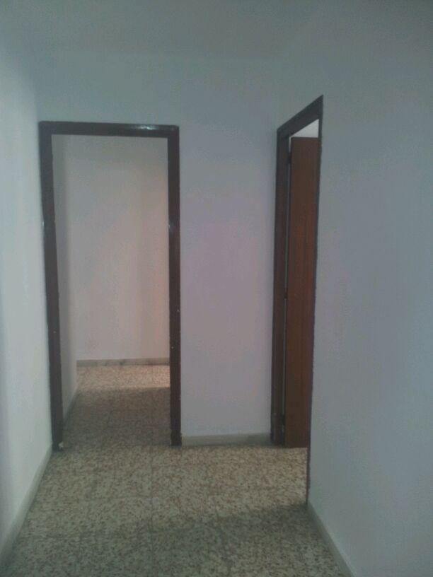 Piso en venta en Bonavista, Tarragona, Tarragona, Calle Vint-i-u, 72.000 €, 4 habitaciones, 1 baño, 101 m2