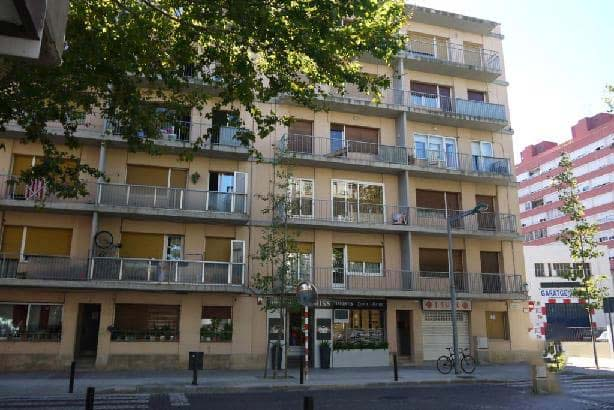 Piso en venta en Vilatenim, Figueres, Girona, Avenida Perpinya, 59.353 €, 4 habitaciones, 2 baños, 104 m2
