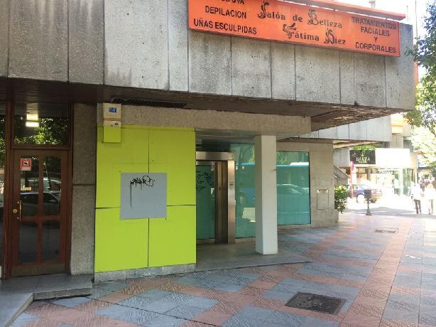 Local en venta en León, León, Avenida Gran Via San Marcos, 1.075.525 €, 774 m2