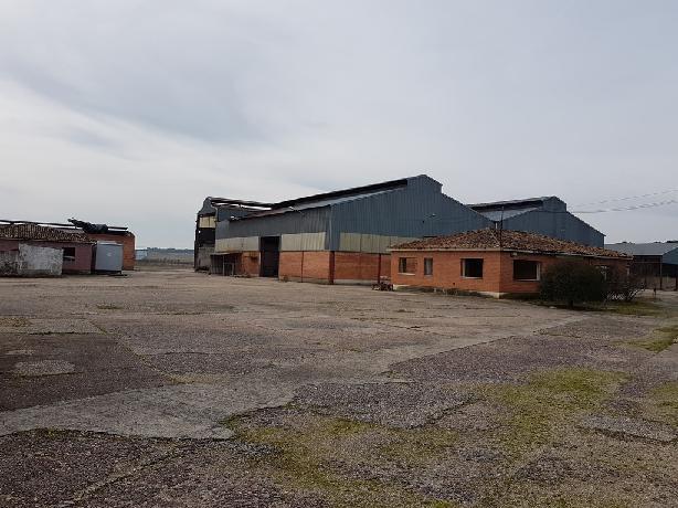 Industrial en venta en Alcazarén, Valladolid, Carretera N-601, 562.604 €, 3379 m2