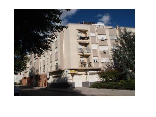 Piso en venta en Tomelloso, Ciudad Real, Calle Herradores, 60.200 €, 3 habitaciones, 2 baños, 108 m2