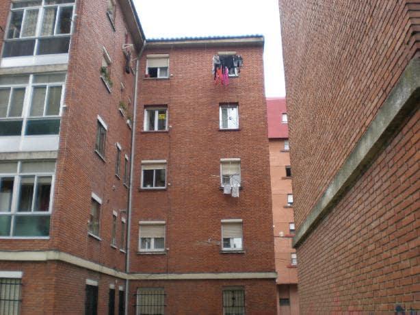 Piso en venta en Allende, Miranda de Ebro, Burgos, Calle Condado de Treviño, 28.500 €, 3 habitaciones, 1 baño, 60 m2