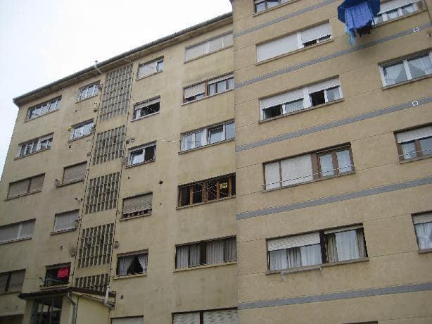 Piso en venta en Solares, Medio Cudeyo, Cantabria, Calle Emilio Maza Cifrian, 57.713 €, 4 habitaciones, 1 baño, 101 m2