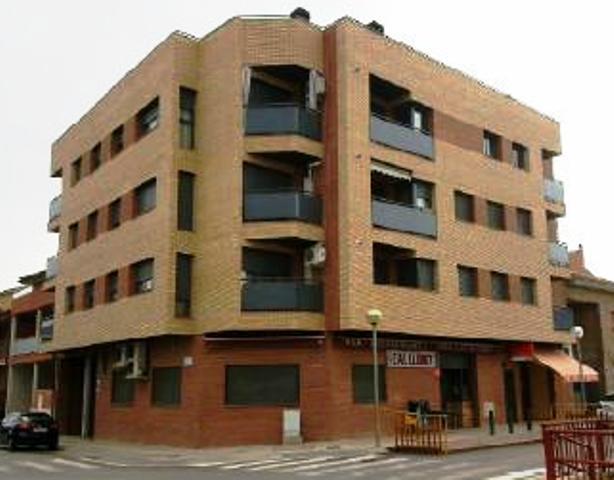 Piso en venta en Torre del Pinyon, Alfarràs, Lleida, Calle Marques de Alfarras, 79.000 €, 2 habitaciones, 1 baño, 111 m2