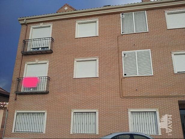 Piso en venta en Torrijos, Toledo, Travesía Churumbela, 76.500 €, 2 habitaciones, 1 baño, 141 m2