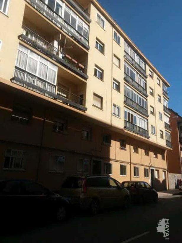 Piso en venta en Armunia, León, León, Calle Maestro Nicolas, 80.200 €, 3 habitaciones, 2 baños, 94 m2