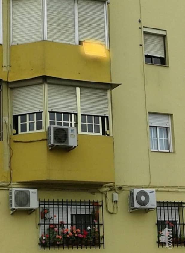 Piso en venta en Alcalá de Guadaíra, Sevilla, Calle Mariana Pineda, 69.000 €, 1 baño, 81 m2