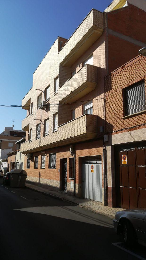 Piso en venta en Tomelloso, Ciudad Real, Calle Hidalgo, 78.000 €, 2 habitaciones, 1 baño, 84 m2