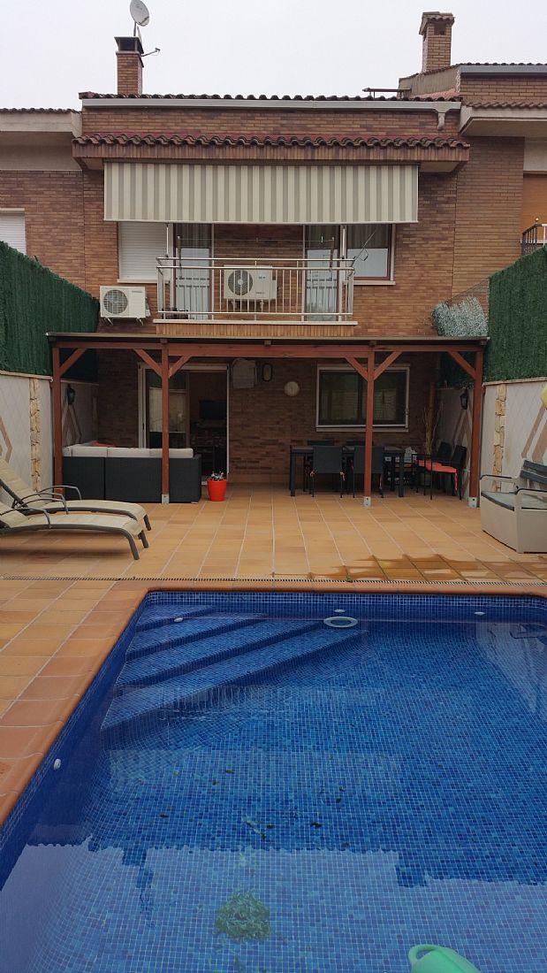 Casa en venta en Sant Joan de Vilatorrada, Barcelona, Calle Josep Cases, 360.000 €, 4 habitaciones, 3 baños, 284 m2