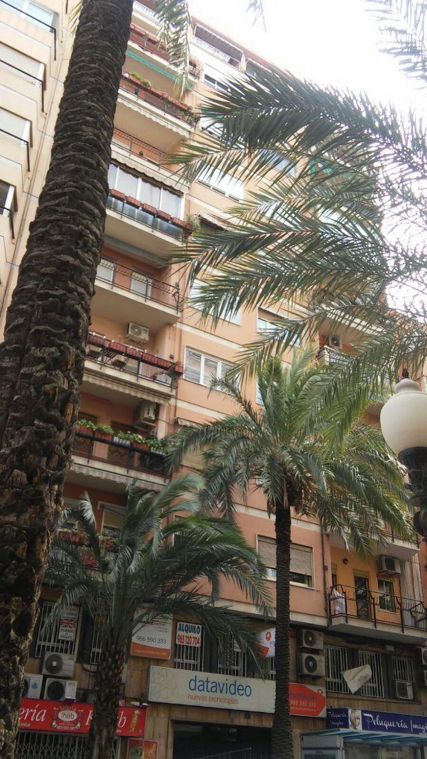 Piso en alquiler en Alicante/alacant, Alicante, Calle San Vicente, 700 €, 3 habitaciones, 2 baños, 110 m2