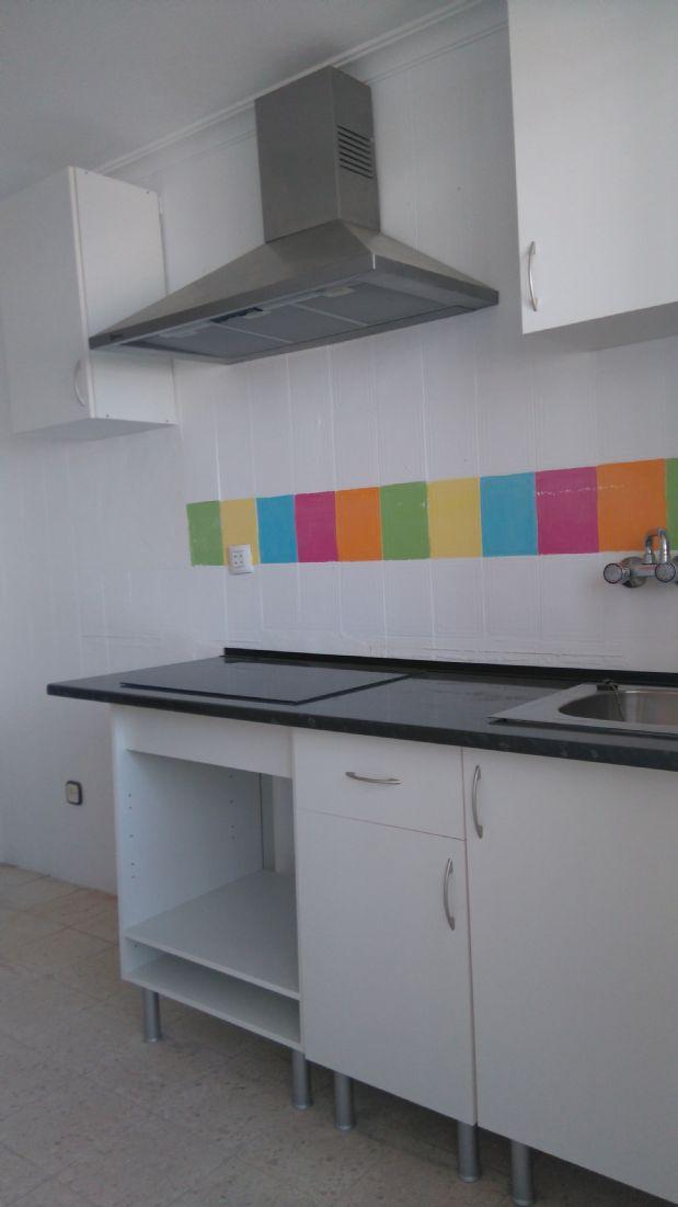 Piso en venta en Piso en Huelva, Huelva, 38.900 €, 3 habitaciones, 73 m2
