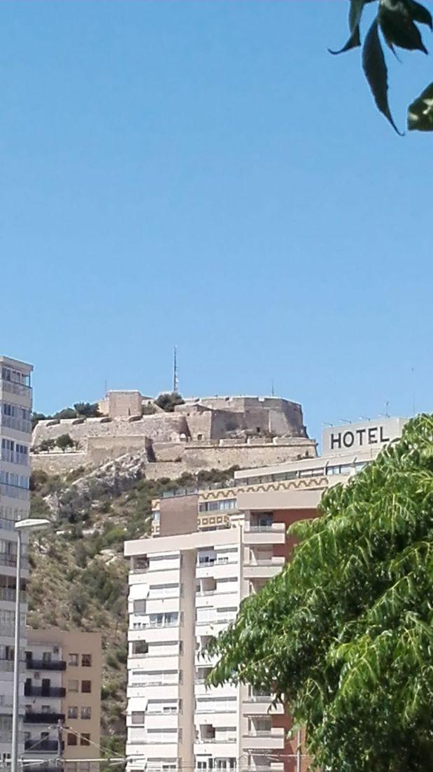 Piso en venta en Raval Roig, Alicante/alacant, Alicante, Calle Virgen del Socorro, 189.900 €, 3 habitaciones, 2 baños, 105 m2