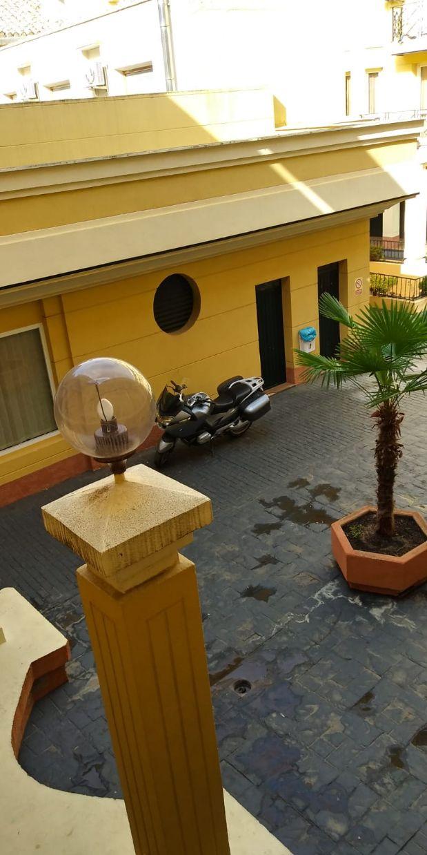 Piso en venta en Tomelloso, Ciudad Real, Calle Don Víctor Peñasco, 95.000 €, 2 habitaciones, 1 baño, 84 m2