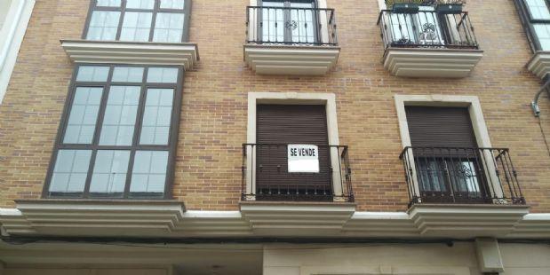 Piso en venta en Tomelloso, Ciudad Real, Calle Buenos Aires, 90.000 €, 3 habitaciones, 2 baños, 90 m2
