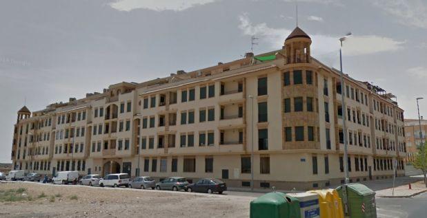 Piso en venta en Tomelloso, Ciudad Real, Calle Cencibel, 69.000 €, 2 habitaciones, 2 baños, 85 m2