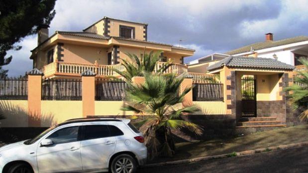 Casa en venta en Córdoba, Córdoba, Calle Platero Martinez, 479.000 €, 6 habitaciones, 4 baños, 322 m2
