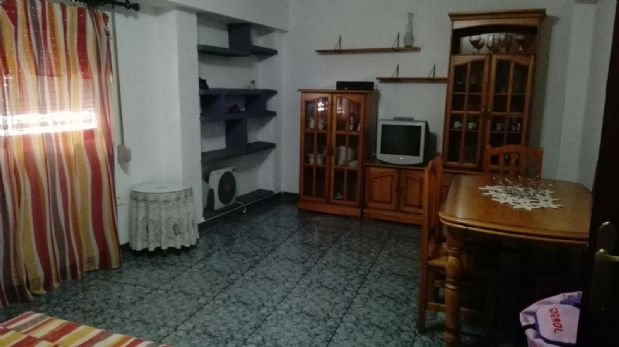Piso en venta en Carolinas Altas, Alicante/alacant, Alicante, Calle Catedrático Daniel Jimenez Cisneros, 57.000 €, 3 habitaciones, 1 baño, 92 m2