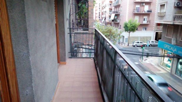 Piso en venta en Elche/elx, Alicante, Calle Concepcion Arenal, 46.000 €, 3 habitaciones, 1 baño, 85 m2