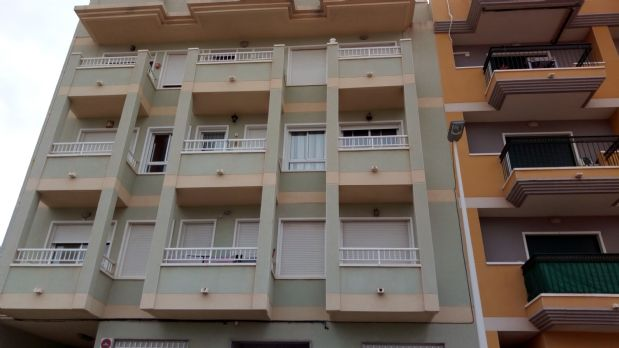Piso en venta en Elche/elx, Alicante, Calle Armada Española, 92.000 €, 3 habitaciones, 2 baños, 79,6 m2