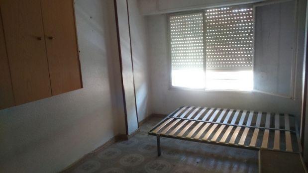 Piso en venta en Piso en Orihuela, Alicante, 57.000 €, 4 habitaciones, 2 baños, 125,88 m2