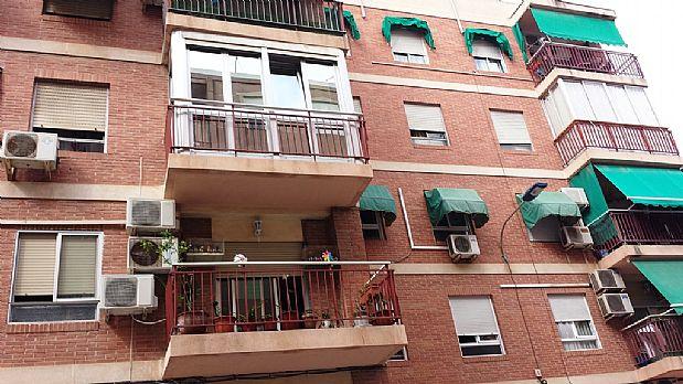 Piso en venta en Santa Pola, Alicante, Avenida Ramon Y Cajal,, 84.000 €, 3 habitaciones, 2 baños, 112,96 m2